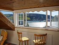 8 CHURCH STREET, pet-friendly, central Salcombe, estuary views, terrace