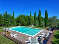 Private house near Lucignano for 8 persons. Pool & WIFi in the Valdichiana area!
