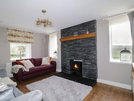 JOCKS HOOSE, countryside views, electric woodburner, Dumfries