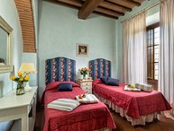 Il Cortile, Holiday Apartment in Tuscany with 2 bedrooms