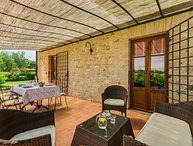 La Stalla is a beautifull Tuscan apartment in the Chianti region with pool!