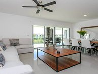 Gorgeous 3 bdr condo at Mareazul! Few steps to the beach! Comfort, decor and ame