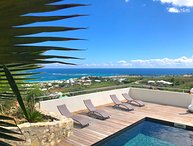 CREME DE LA CREME.. gorgeous panoramic views over Orient Bay!  Modern, affordabl
