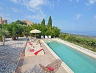 Villa Il Poggio, large family villa with pool near Cefalu