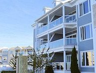 Bay Breeze - 3rd Floor Waterfront Condo - In Town