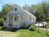 Pet Friendly Cottage in Boothbay Harbor, Just a Short Walk From Downtown.