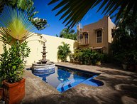 Casa Julia - Shared pool, 8 min walk through town to the beach! - San Panco