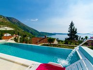 Sea view Villa with infinity pool for rent Plat Dubrovnik