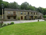 WOOD BOTTOM FARM, barn conversion, woodburner, Meltham