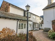 ROSE COTTAGE, open-plan, WiFi in Marldon