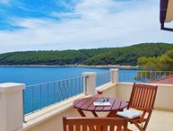 Beachfront Villa with Jacuzzi for rent Korcula Island
