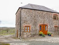 LOWER CHASTY, barn conversion, WiFi, near Holsworthy