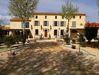 LS6-336 GARDIANO Beautiful rental with pool and jacuzzi in Vallabrègues,12pers.