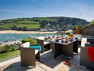 WATERSIDE VIEW, WiFi, allocated parking, in Salcombe