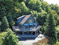 Bluff View Mountain Lodge-4 BR, 3 BA with VIEWS, HOT TUB, POOL TABLE, WIFI, FIRE