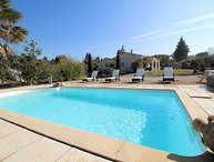Charming holiday home with large garden, pool, whirlpool, dog allowed