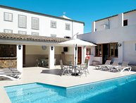 4 bedroom Villa with Pool, Air Con, WiFi and Walk to Shops - 5793387