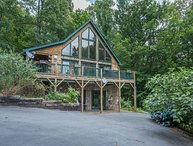 Viewtopia | Cozy cabin for 8 with hot tub & perfect view of Lake Lure |