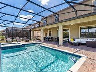 Bright Big Pool Villa - Perfect Vacation Home in Disney Area