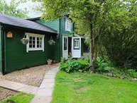 Log Cabin, Watton