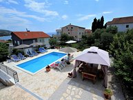 SWIMMING POOL VILLA CLOSE TO THE BEACH, CIOVO