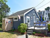2 bedroom cottage, .2 miles from Glendon Road beach