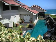 Kailua Studio 2 decks - Licensed -Ocean Front House $220