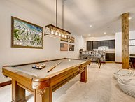 Perfect Mountain Getaway - Winter Shuttle, Hot Tub, Billiards and Privacy!
