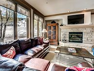 True Ski-In/Ski-Out Highlands Slopeside Residence In Beaver Creek Village