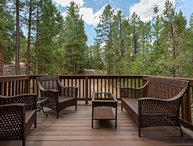Pinetop Paradise! Cozy Cabin Nestled in the Ponderosa Pines-Sleeps 6!