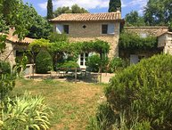 LS2-348 VIGNO, beautiful farmhouse located in Luberon with pool, 12 sleeps.