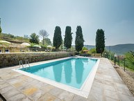 Unique villa accommodation for 12 persons near Cortona, only 1 km to Pergo town!