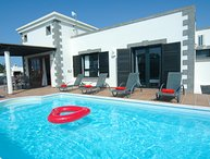 Great 2 bed villa in Playa Blanca Ref LVC333174