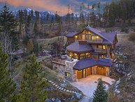 The Majesty of the Rockies on 5 Luxurious Levels; Hot Tub, Pool Table & More