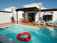 Great 2 bed villa, walking distance to centre of Playa Blanca LVC334687