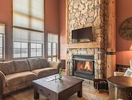 5BR Ski In/Out, Fantastic Views of Area, Free Shuttle