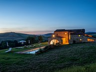 Podere Orcia, private villa near Pienza for 14 persons with private pool and A/C