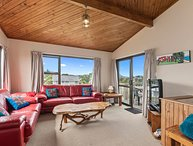 Spacious Family Bach by the Sea - Ruakaka Holiday Home