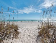 The Land of Ahhh's: Sleeps 22, Gulf Front, Pet Friendly! Great Winter Deals!