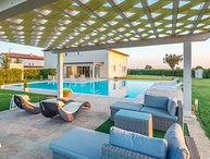 Luxury villa with 5 bedrooms, private pool,  A/C and SPA, Villa delle Vigne