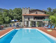 VILLA CLOTILDE 8 Pax,  country side with pool, WI-FI, BBQ, near to Cinque Terre