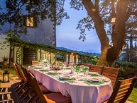Private Tuscany villa for 12 persons in 6 bedrooms. Pool, A/C, Jacuzzi, Palazzo!