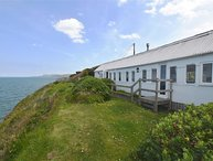 CLIFFTOP CARRIAGE, 1 bedroom, Ceredigion