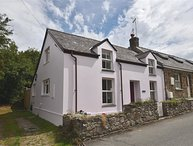 PANTEG COTTAGE, 2 bedroom, Pembrokeshire