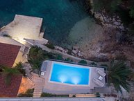 Villa with a Private Beach and Pool for rent, Hvar Island