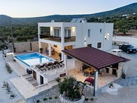 Luxury villa with pool for rent, Rogoznica area