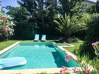 Villa in Sorgues between Carpentras and Avignon, pool and beautiful exterior