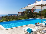 Sea view villa with private pool in Dubrovnik area