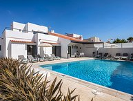 Villa Catarino - Gorgeous 5 bedroom villa located just 50 meters from the beach,