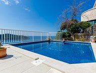 Sea view villa with pool in Dubrovnik